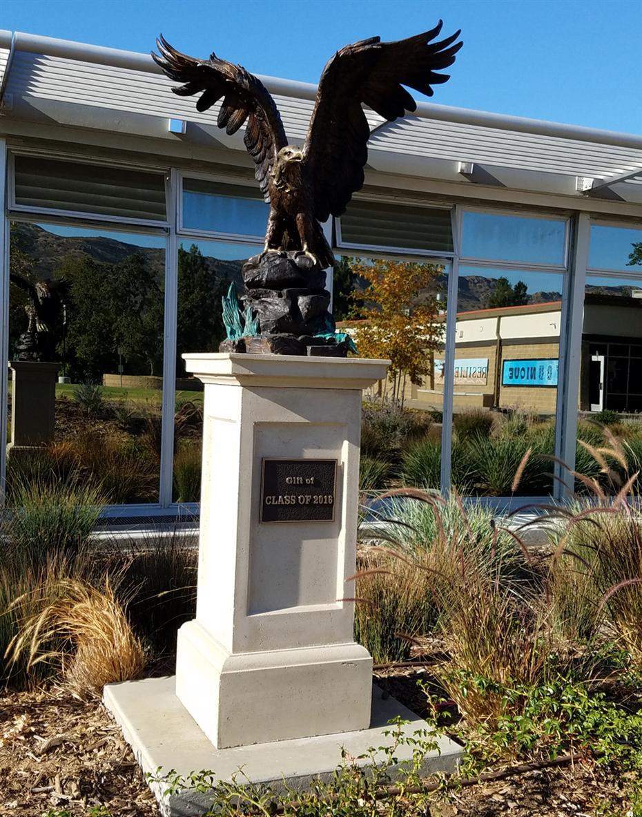 London oak large pedestal home Gas Light cmslibca01000794centricitymoduleinstance10857large cxkzojuwaa38zejpgself Elle Decor Oak Park High School Overview